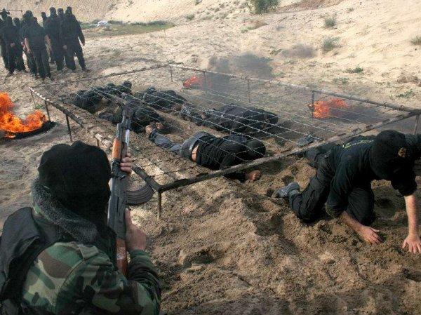 Генштаб ВС РФ: США готовят террористов в Сирии