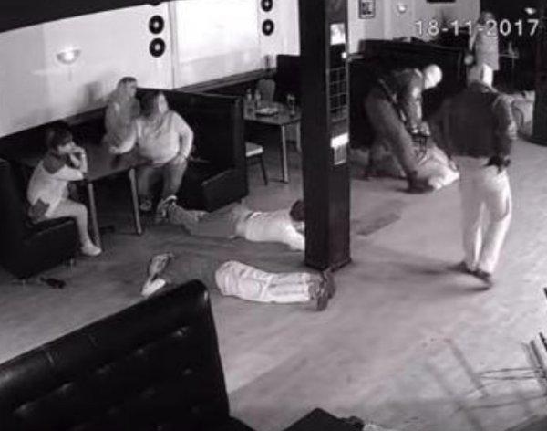 Видео работы спецназа в елецком клубе взбудоражило Сеть