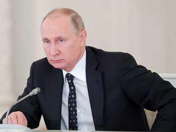 Путин назвал терактом взрыв супермаркете Петербурга