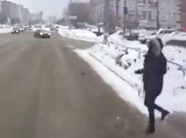В Тольятти девушку сбили сразу два автобуса