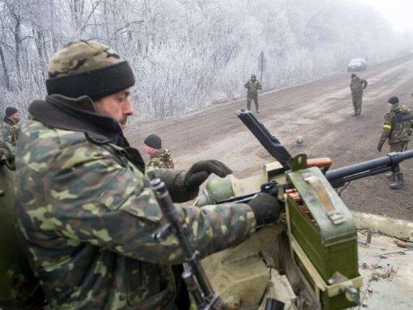 """Попавшие в """"котел"""" украинские силовики обстреливают мирных жителей"""