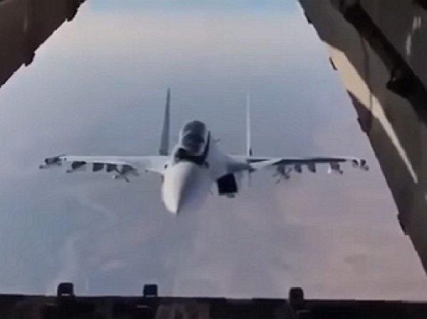 Пилот Су-30 потряс весь мир, «заглянув» в транспортник Ил-76