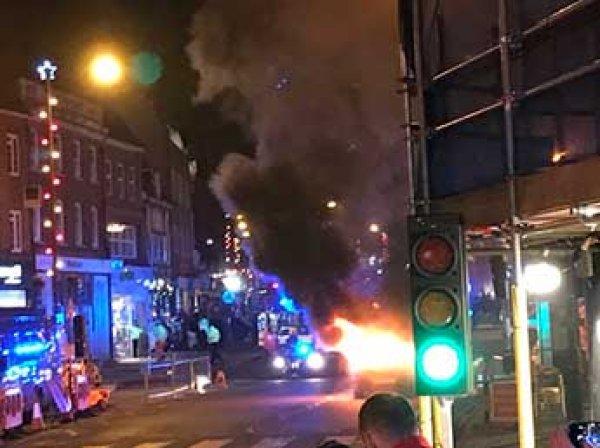 В Сеть попало видео взрыва авто на рождествеской ярмарке в Лондоне