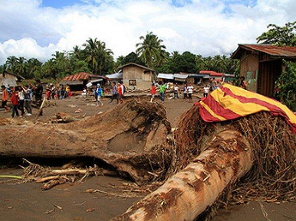 240 человек стали жертвами наводнений и оползней  на Филиппинах