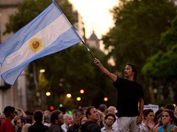 В ходе протестов из-за пересчета пенсий в Аргентине пострадали свыше 160 человек
