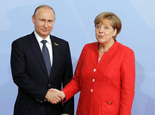 Путин объяснил Меркель вывод российских офицеров из Донбасса