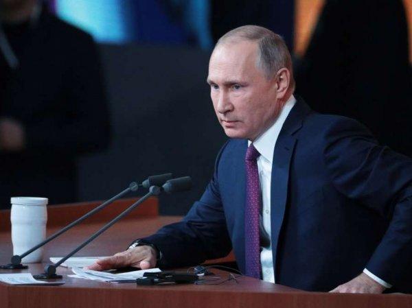 Путин ушел с заседания Совета по культуре и искусству из-за телефонного звонка