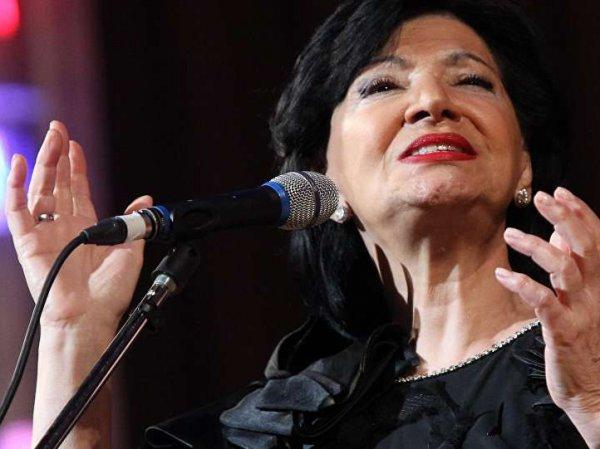 Знаменитая певица выживает на мизерную пенсию