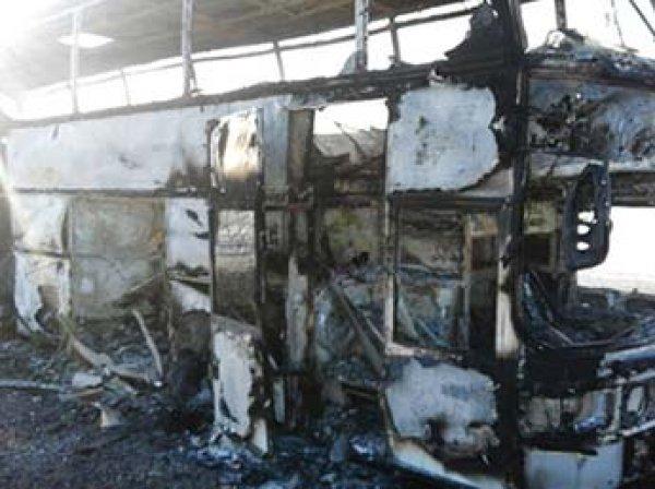Названа причина пожара в казахстанском автобусе с 52 погибшими: пассажиры грелись паяльной лампой