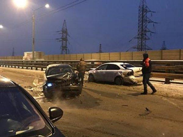 Под Москвой в массовом ДТП столкнулись 40 машин