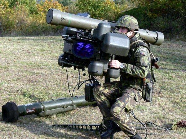 """Эксперты рассказали о наличии у батальона """"Азов"""" летального оружия из США"""