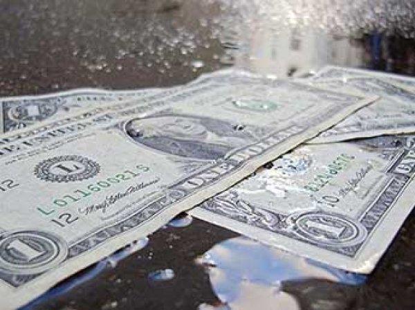В США трассу после ДТП засыпало деньгами