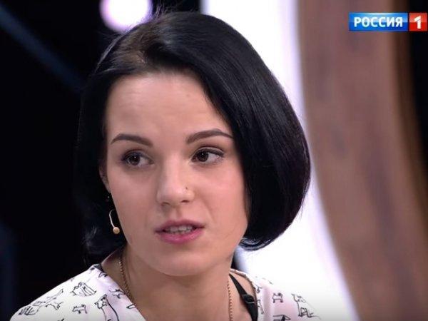 Девушка, которой ревнивый муж отрубил кисти рук, рассказала Малахову о своей жизни после трагедии