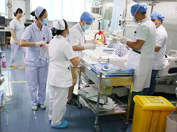 В Китае врач умерла, отработав 18-часовую смену