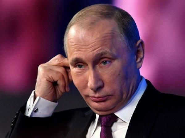 Путин испытал себя в роли вагоновожатого