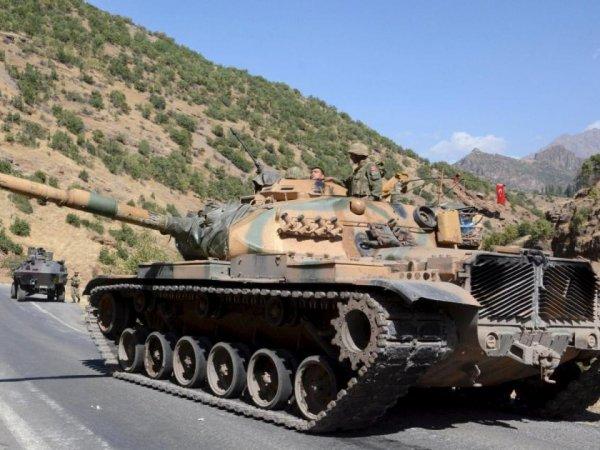 СМИ: в сирийский Африн вошли турецкие танки