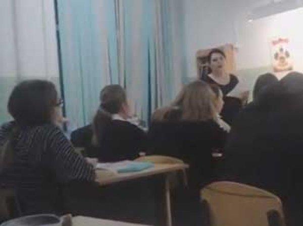 """""""Дядя Вова, мы с тобой"""": в Краснодаре школьников два дня заставляли петь песню о Путине"""