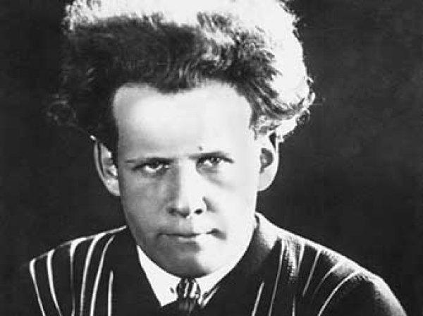 Google выпустила особый дудл в честь 120-летия Сергея Эйзенштейна