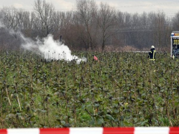 В небе над Германией столкнулись вертолет и самолет: погибли 4 человека