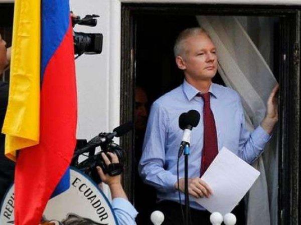 В посольстве Эквадора пожаловались на плохо пахнущего Ассанжа