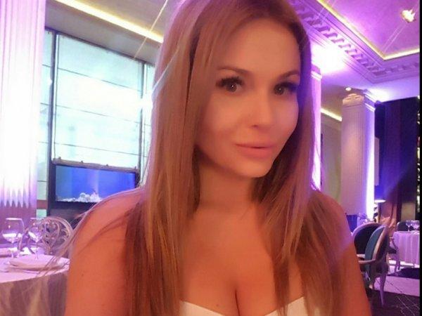 СМИ показали личные фото модели, которой жена Аршавина пообещала отрезать пальцы