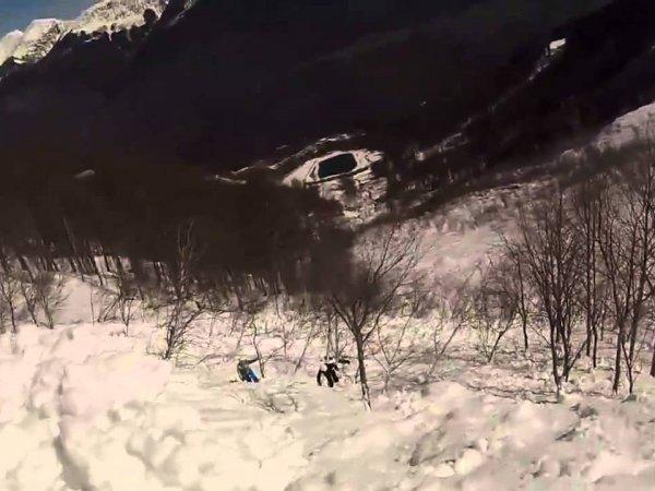 В Сети появилось видео схода лавины после извержения вулкана в Японии