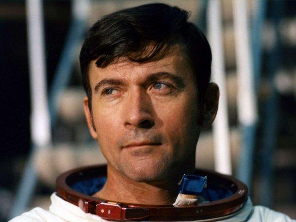 Скончался побывавший на Луне астронавт Джон Янг