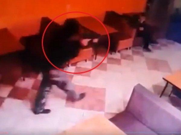 Расстрел трёх человек в кафе на Кубани попал на видео