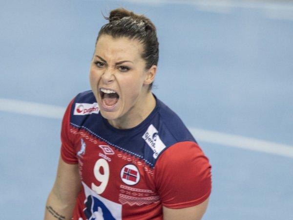Норвежская гандболистка отказалась выступать за сборную из-за слитых в Сеть откровенных фото