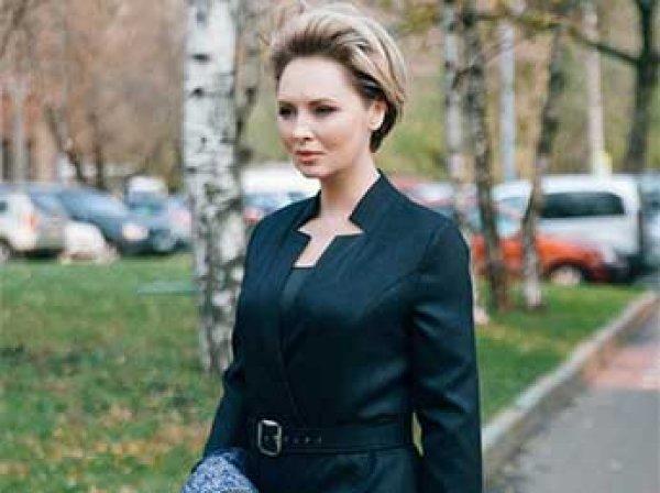 После изгнания из театра Джигарханяна актриса Елена Ксенофонтова с детьми может статьи бомжом