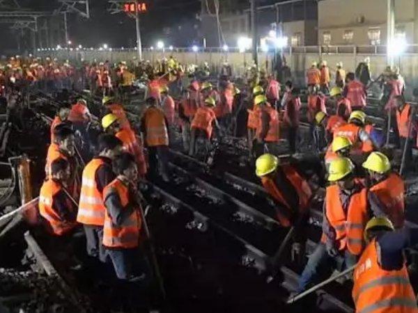 В Китае сотни рабочих за ночь построили железнодорожную развязку