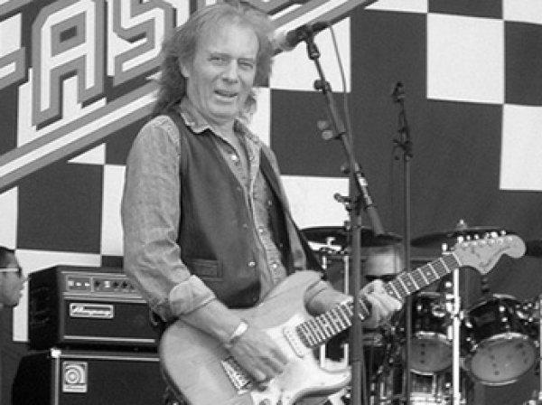 Скончался гитарист группы Motorhead Эдди Кларк