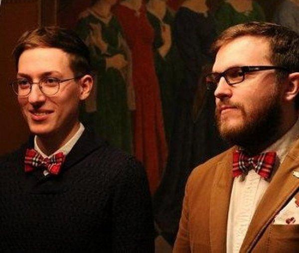 """""""Поженившиеся"""" геи забаррикадировались в квартире в Москве и отказались отдавать паспорта"""