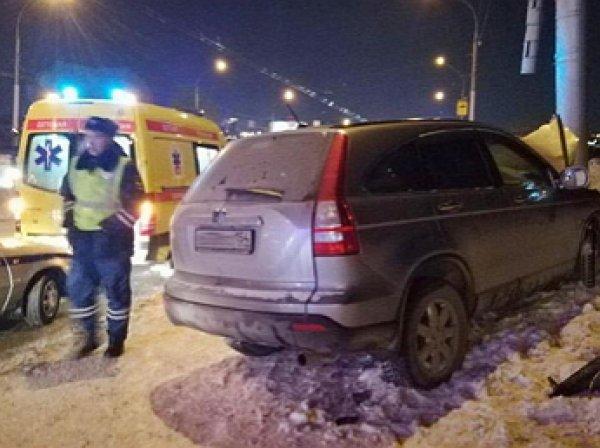 Водитель в Новосибирске въехал в толпу: погибла мать с ребенком