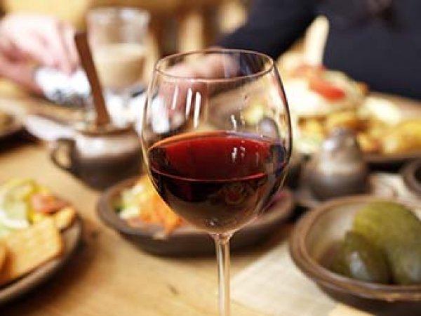Ученые назвали неожиданную пользу красного вина