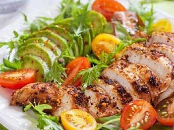Ученые сравнили эффективность безуглеводной и безжировой диет