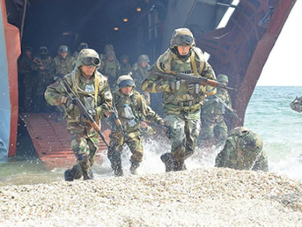 Украинские военные перебрали с алкоголем и расстреляли сослуживцев на Донбассе