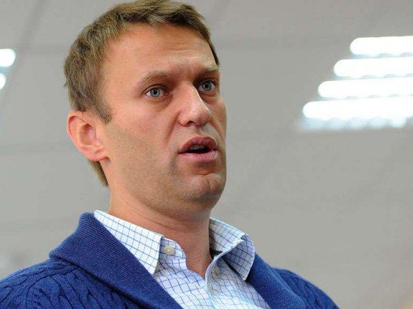 Навальный обвинил Собчак в подделке 99% подписей