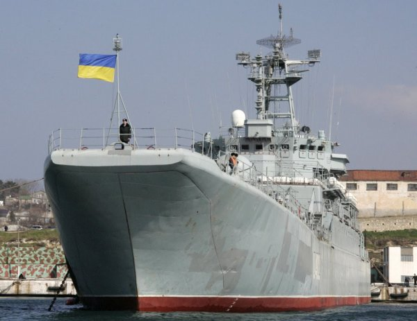 Украина потребовала от России отремонтировать и вернуть оставленную в Крыму военную технику