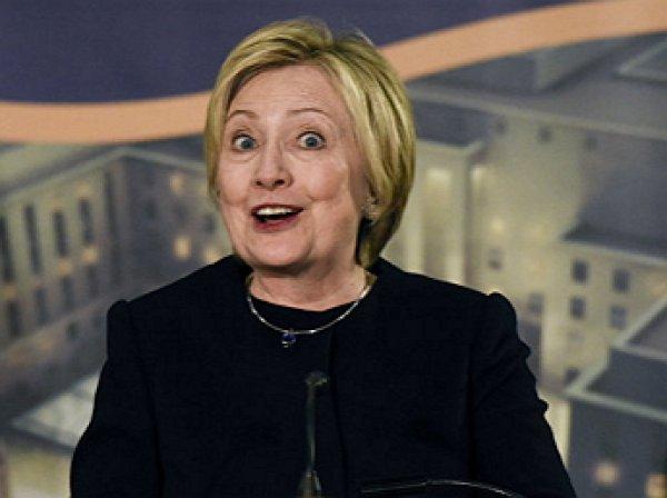 """""""Русские всё ещё идут"""": Клинтон призвала Трампа защитить США"""