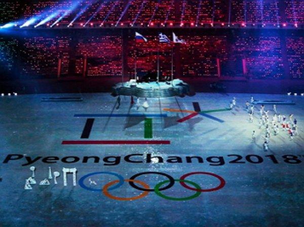 Американец пришёл на открытие Олимпиады с флагом России