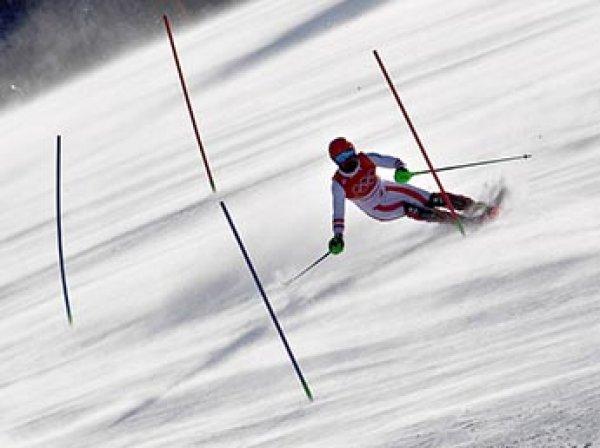 На Олимпиаде в Пхенчане зрителей и лыжников сдувает ураганным ветром