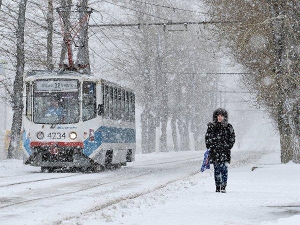 На Москву обрушился мощный снегопад: за выходные выпало 122% нормы осадков