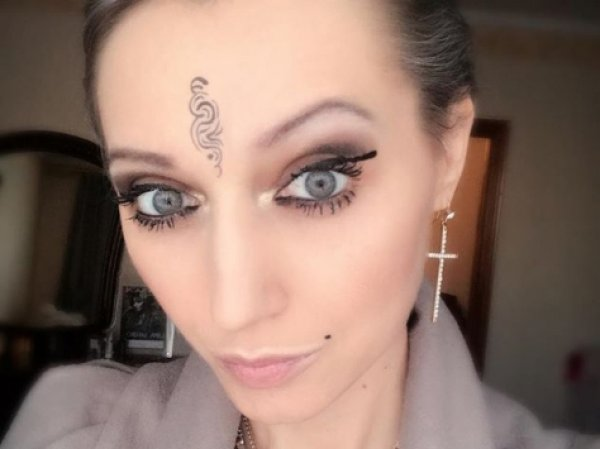 Страдающая от рака певица Лама Сафонова экстренно госпитализирована в Москве