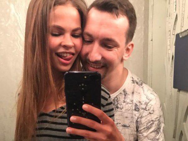 """""""Секс-тренер"""" Насти Рыбки Алекс Лесли впервые высказался о скандале сДерипаской"""