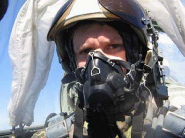 СМИ выяснили, сколько государство выплатит родным погибшего в Сирии пилота Су-25 Романа Филиппова
