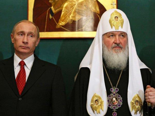 """Патриарх принял от Путина белые розы и объяснил, почему Церковь """"вся в золоте"""""""