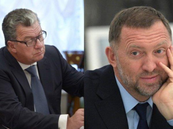Навальный обвинил зама Медведева в получении взятки, изучив книгу девушки из эскорт-агентства