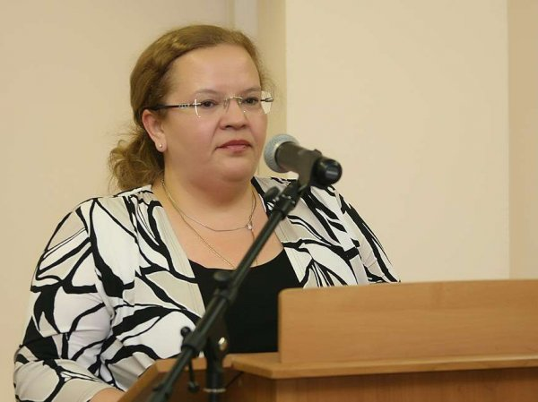 В Татарстане арестованная замминистра республики найдена с ножевыми ранениями