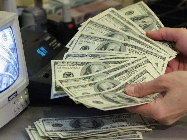 Курс доллара на сегодня, 22 февраля 2018: россияне массово выводят деньги из банков - эксперты